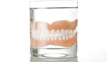 Dentadura+Água
