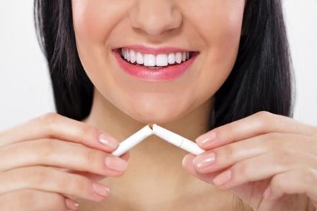 Como clarear os dentes: evitando a nicotina