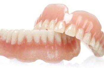 """Orofacial #37 – Prótese Total (""""Dentadura""""): Por que Você Deve Evitá-la?  Parte 2: Minimizando os Problemas com as Dentaduras."""